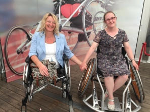 Silke Naun-Bates und Carina Kühne